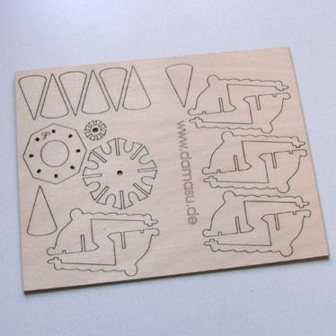 Achtecklaterne Holzplatte DAMASU