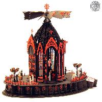 Das <strong>Erzgebirge</strong> ist bekannt für seine <strong>Weihnachtspyramide</strong>n. Der Adventskalender macht diese Kapelle zu etwas ganz Besonderem.